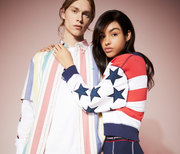 O Tommy Hilfiger ανακοινώνει την Tommy Jeans Summer Heritage Capsule Συλλογή